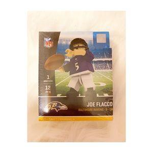 🎁2/$10 Ravens mini Figurine set